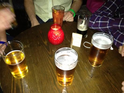 Cerveses en un pub