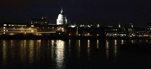 St Paul's cathedral a l'altra banda del Thames